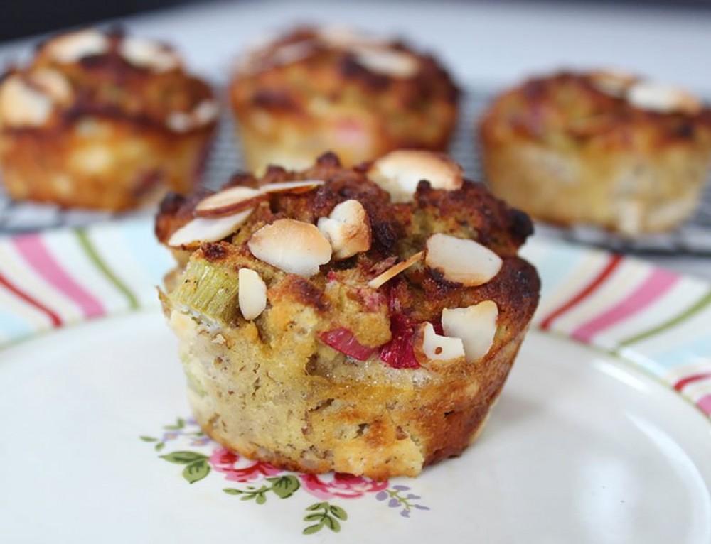 Rhubarb Muffins w Coconut Flour